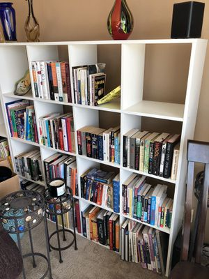 White Like New Bookshelves 4x4 16 shelves. 1'x1' Squares & 4,3,2,1 Step Shelves for Sale in Ruston, WA