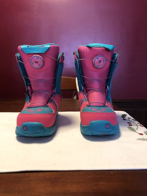 Girls youth burton snowboarding boots for Sale in New Hartford, NY