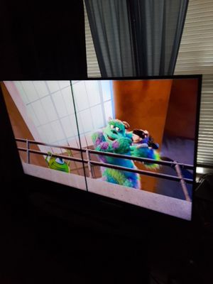 Sony 60 inch TV 4k ultra hd(black line in the middle) for Sale in San Antonio, TX