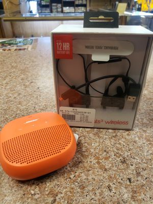 Beats wireless headphones and Bose speaker combo for Sale in Pflugerville, TX