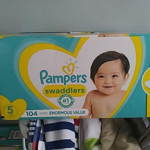 Pampers Swaddlers size 5 for Sale in San Diego, CA