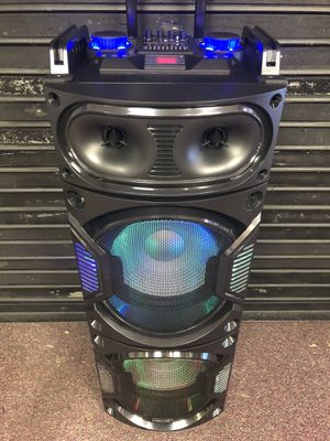 Bluetooth speaker 🔊 karaoke 🎤 for Sale in Silver Spring, MD