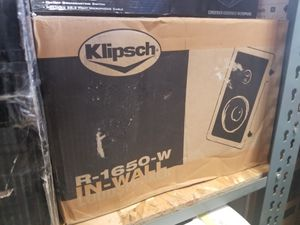 A KLIPSCH R-1650-W IN-WALL 6.5 INCH SPEAKER WOOFER TWEETER for Sale in Anaheim, CA
