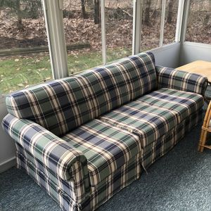 Couch / Pull Out Sofa for Sale in Harleysville, PA