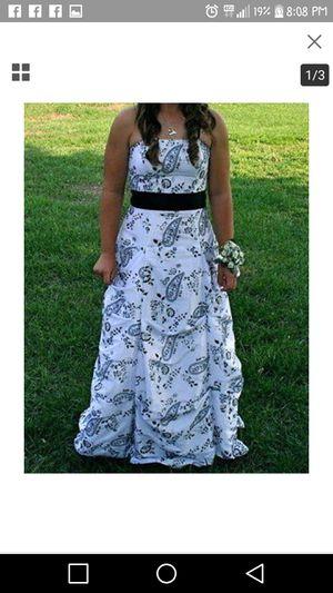 Morgan and Co. prom dress for Sale in Wichita, KS