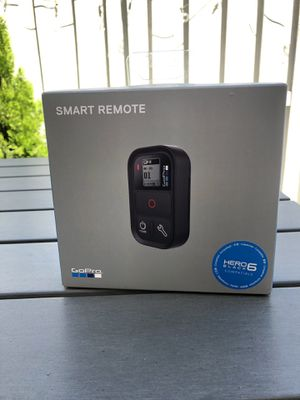 Gopro Smart Bluetooth Remote (gopro 6 up) for Sale in Coconut Creek, FL