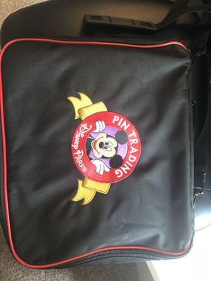 Disney pins and maps!! for Sale in Lakeland, FL