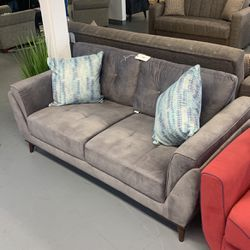 European Love Seat With Removable Pillows Grey for Sale in Melrose Park,  IL