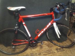 2011 FUJI ROUBAIX 1.0 ROAD BIKE LG/XL 64cm FRAME/GREAT CONDITION!!! DON'T MISS THIS! for Sale in New Castle, PA