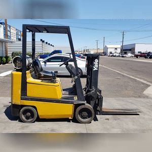 2000 YALE GLC040AFNUAV061 FORKLIFT PROPANE for Sale in Los Angeles, CA