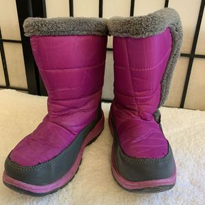 Kids Caribou Fur Trim Snow Boots for Sale in Chicago, IL
