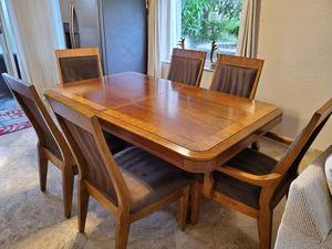 Dining room table with 6 chairs for Sale in Lake Worth, FL