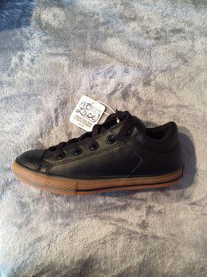 Junior Kids' Converse Leather Chuck Taylor Black / Trim -Gum (Sz 4) for Sale in Fort Washington, MD