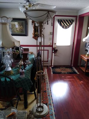 Heavy floor lamp 6' tall for Sale in Laurel, MD