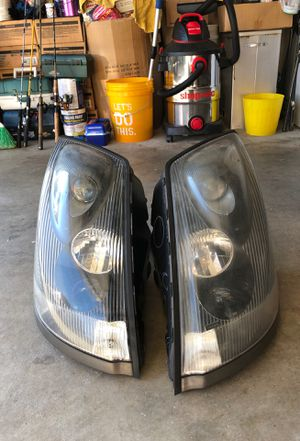 2012 Volvo 670 semi original headlights with LED bulbs inside for Sale in Kent, WA