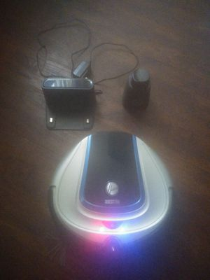 Hoover quest 700 robot vacuum for Sale in Runnemede, NJ
