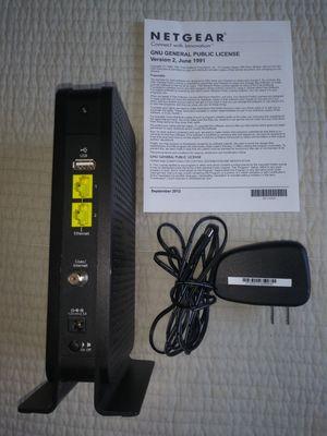 Magnifico WIFI Netgear, para tener internet en toda la casa y en todos los equipos. Compatible con Comcast. No alquile equipos, recupere su inversion for Sale in Miami, FL
