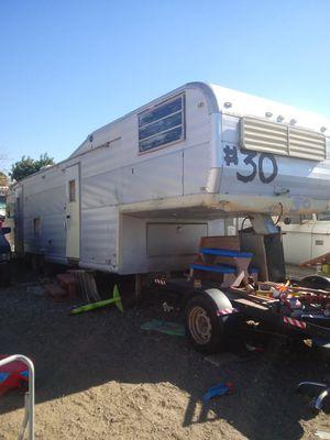 5th wheel Century trailer for Sale in Riverside, CA