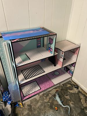 Lol doll house hardly played with $50 for Sale in Johnston, RI