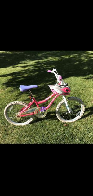 "Magna Girls 20"" Bicycle w/Schwinn Helmet for Sale in Leavenworth, WA"