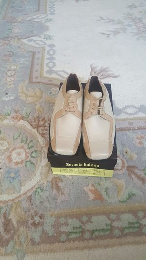 Dress shoes for men size 8 and 1/2 for Sale in Kent, WA