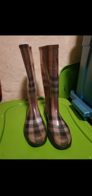 Burberry Rainboots for Sale in HAINESPRT Township, NJ