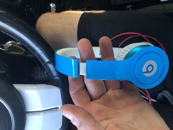Beats by dre solo 3 like new