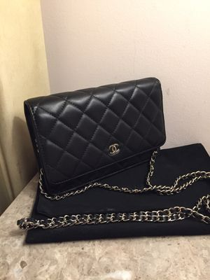 Chanel crossbody leather Bag Purse Handbag Wallet for Sale in Downers Grove, IL