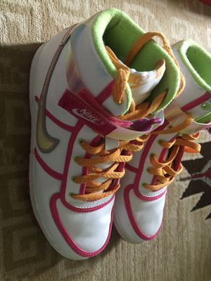 SUPER COOL NIKE BASKETBALL SHOES SIZE 7 for Sale in Philadelphia, PA