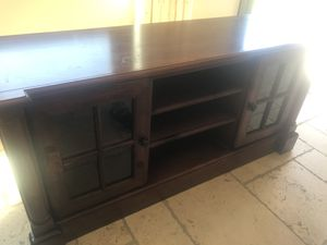 Beautiful Wooden Television Stand for Sale in Calabasas, CA
