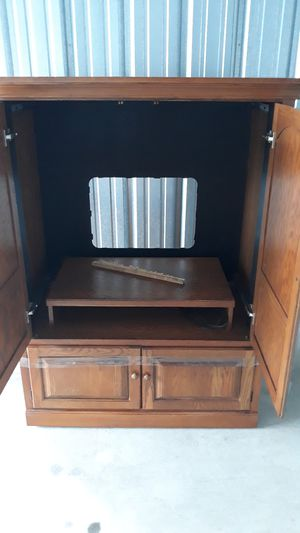 Armwear TV stand $ 60 for Sale in Mount Pleasant, MI
