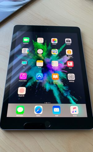 Apple iPad Ir 2 16GB space gray for Sale in Miami, FL