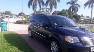 2014 town&country van loaded for Sale in West Palm Beach, FL