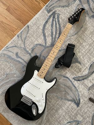 Silvertone stratocaster electric guitar for Sale in South Gate, CA