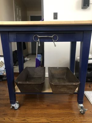 Mobile kitchen island for Sale in Queens, NY
