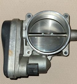 OEM THROTTLE BODY for Sale in Charlotte,  NC