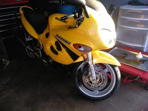 2001 gsx 600F 26k clean title in hand for Sale in Westminster, CA