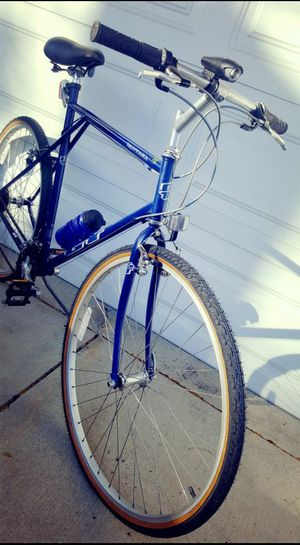 GT Hybrid Bicycle for a tall person 700mm brand new tires and 25 inches frame for Sale in Bensenville, IL