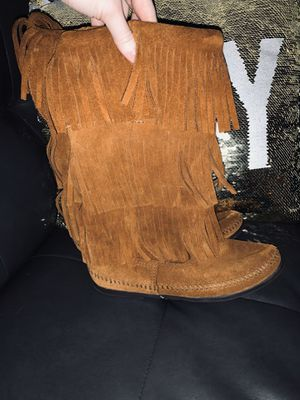 Minnetonka 3-Layer Fringe Boots for Sale in Charlotte, NC