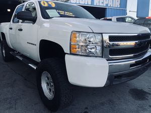 2009 Chevy Silverado LT lifted OfF road w/ 120k miles for Sale in Whittier, CA