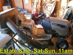 Craftsman Lawn Tractor. DYS 4500. Runs Great. Estate Sale. Sat 11am - $999 for Sale in Sanger, CA