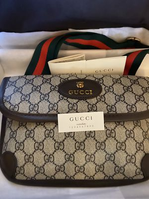 GUCCI chest crossbody shoulder bag! New with duffel bag for Sale in Las Vegas, NV