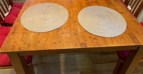 Dining Table with 4 Chairs. for Sale in Irvine,  CA