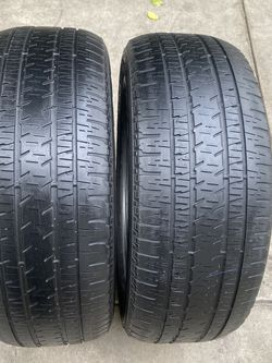 2 tires 275/55/20 Bridgestone for Sale in Bakersfield,  CA