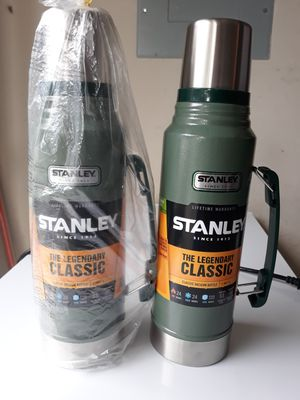 Stanley Classic Vacuum bottle 1.1 Qt, thermos for Sale in Pompano Beach, FL