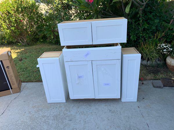 4 kitchen cabinets