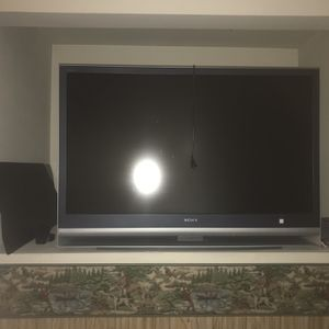 50 Inch TV (stand included) for Sale in Lakewood, WA