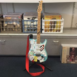 Billie Joe Armstrong from Green Day style guitar Pawn shop casa de Empeño for Sale in Vista, CA