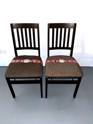 40% OFF // BRAND NEW // COSTCO 2-Units Stakmore Solid Wood Folding Chair with Padding Seat for Sale in Pompano Beach, FL