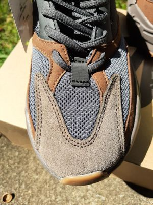 Yeezy mauve size 7.5 womens for Sale in Williamsport, PA
